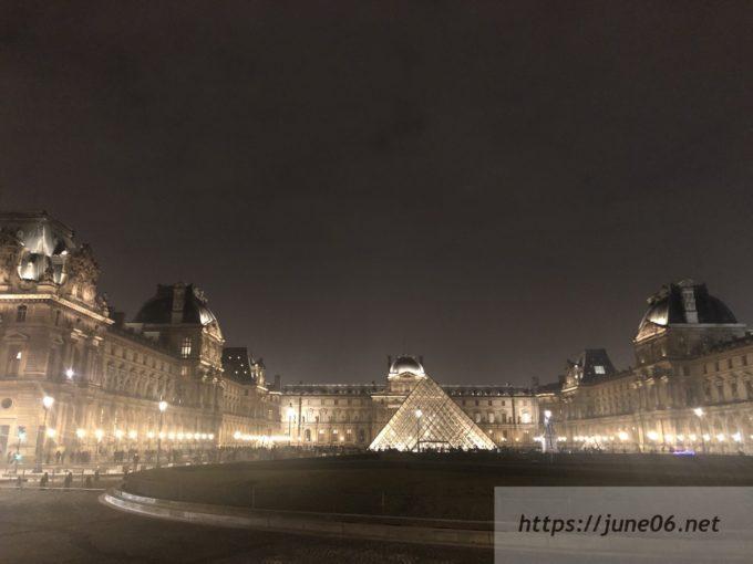 ルーブル美術館ライトアップ
